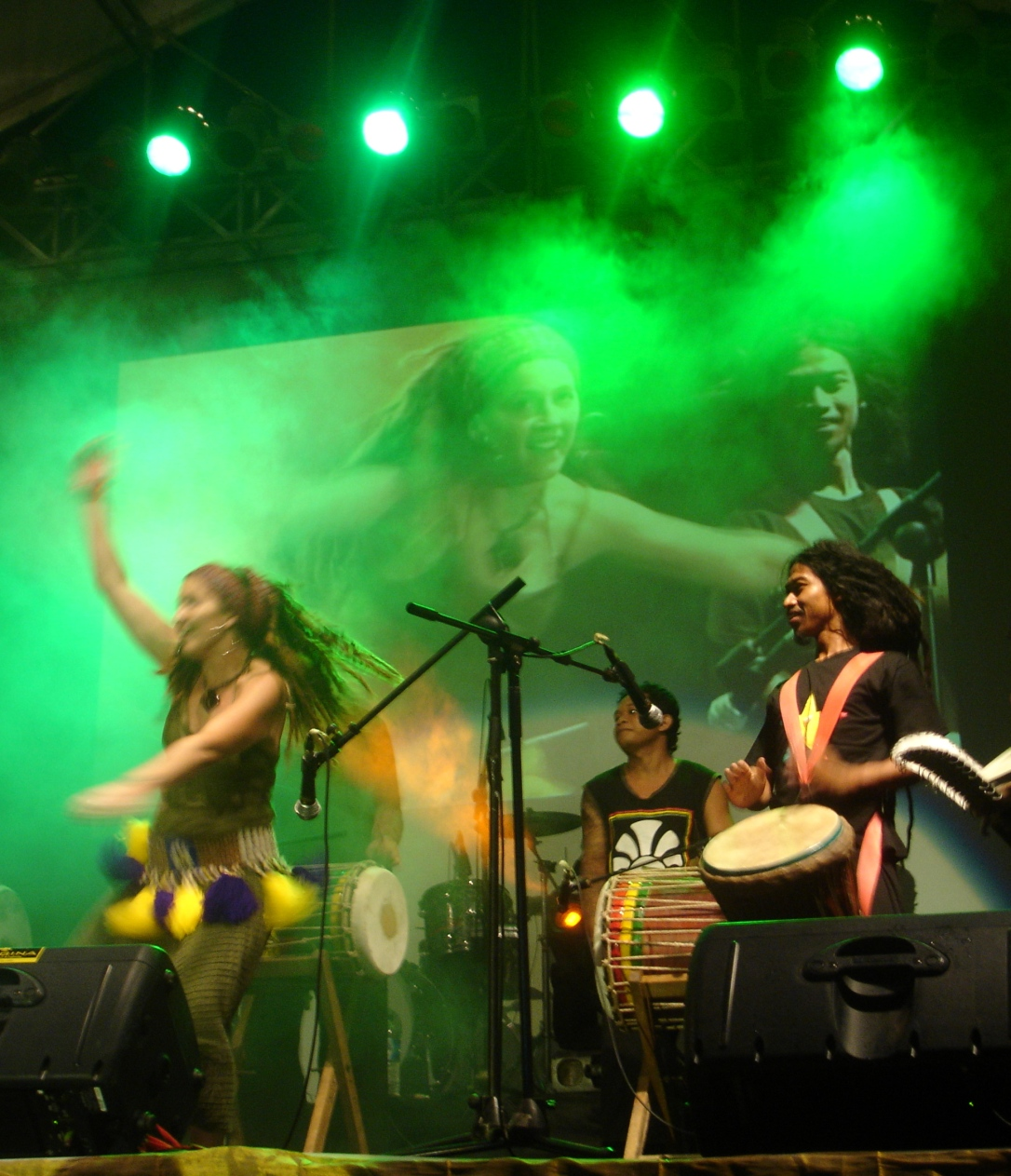 1. Sarah and Catur performing at Bali Spirit Festival 2010.JPG